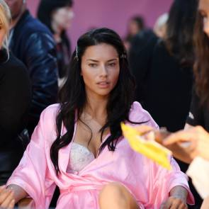 adriana lima in backstage of Victoria's Secret Fashion Show 2016 Paris