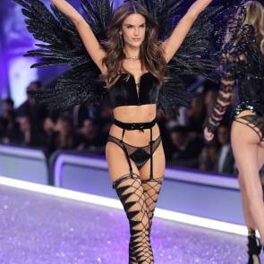 alessandra ambrosio in lacy lingerie