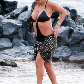 mariah carey at the beach in Maui, Hawaii