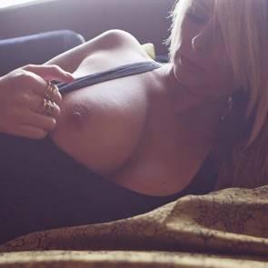 rhian sugden showing tit