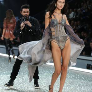 weeknd looking at bella hadid ass on the runway of victoria's secret show