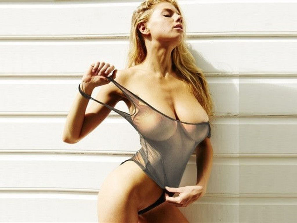 Charlotte McKinney Naked Photo Collection nudes (68 photo), Cleavage Celebrites pics