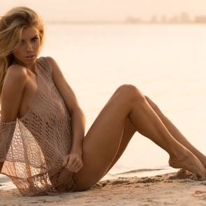 Charlotte McKinney sexy on beach