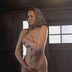 sobieski nude pussy Leelee
