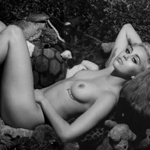 10-Miley-Cyrus-Nude-1-1024×565