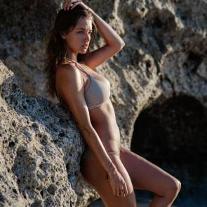 Alyssa-Arce-Sexy-Topless-1
