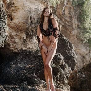 Alyssa-Arce-Sexy-Topless-11