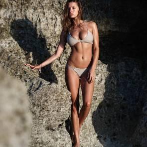 Alyssa-Arce-Sexy-Topless-2