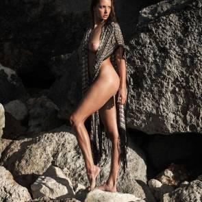 Alyssa-Arce-Sexy-Topless-9