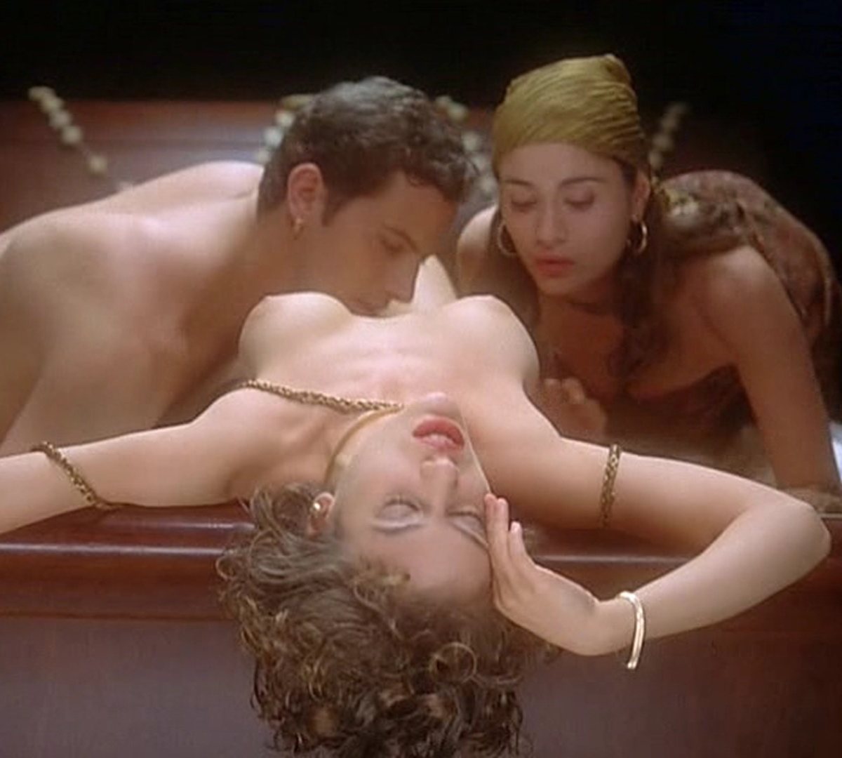 Alyssa Milano Nude Sex In Embrace Of The Vampire Free Video