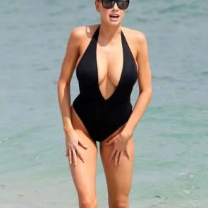 Charlotte-McKinney-bikini