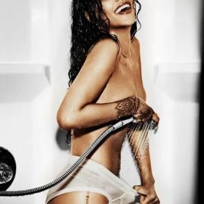 Rihanna Naked Leaks and PORN Sex Tape [2021 NEWS] 17