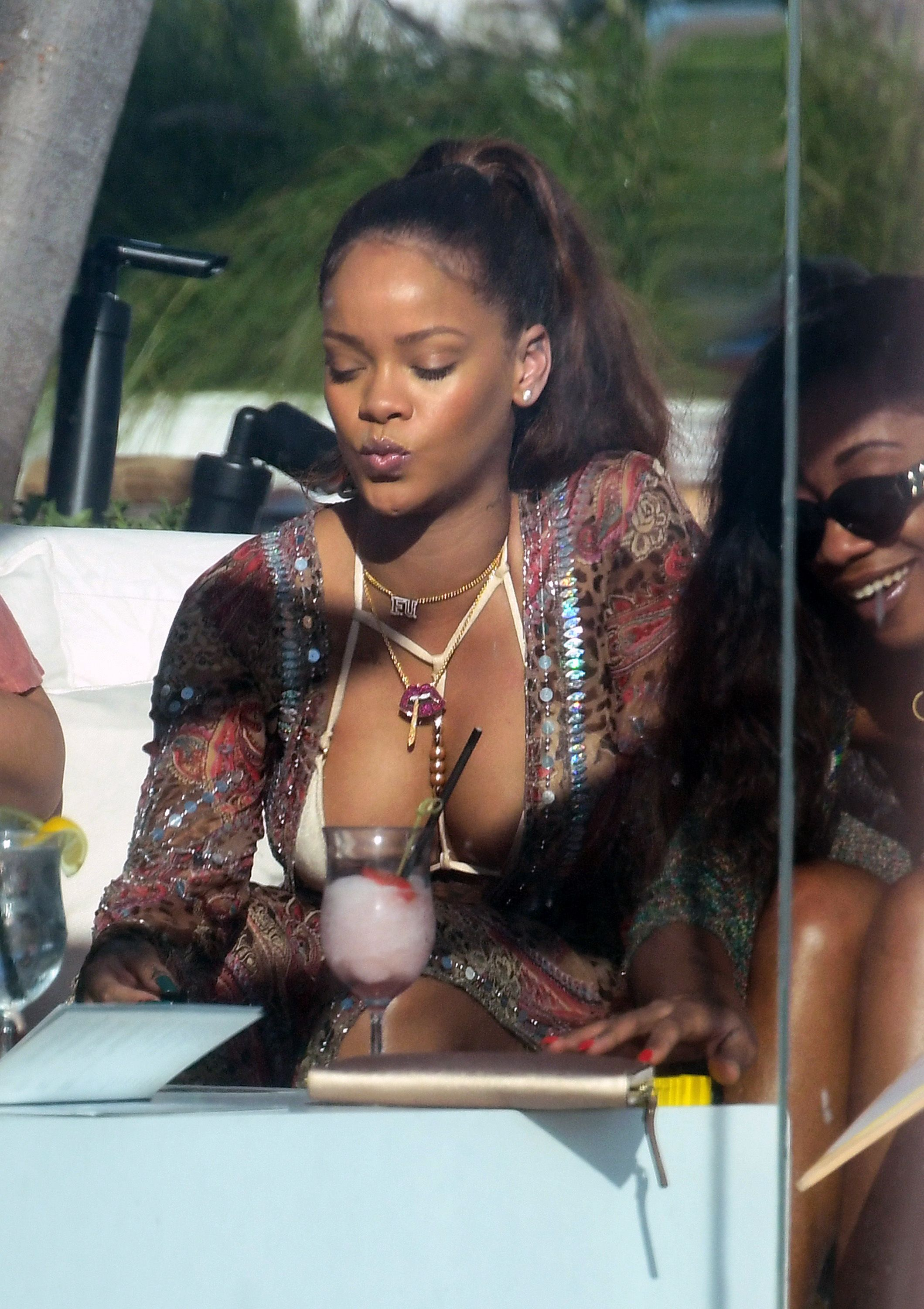 Nude Photo Of Rihanna 26