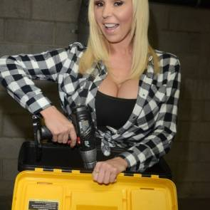 06-Mary-Carey-powertools