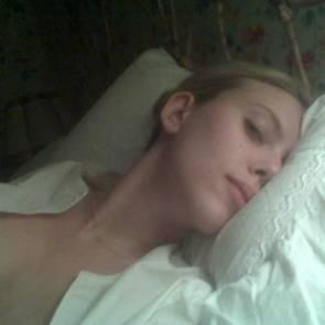 11-Scarlett-Johansson-Naked-01
