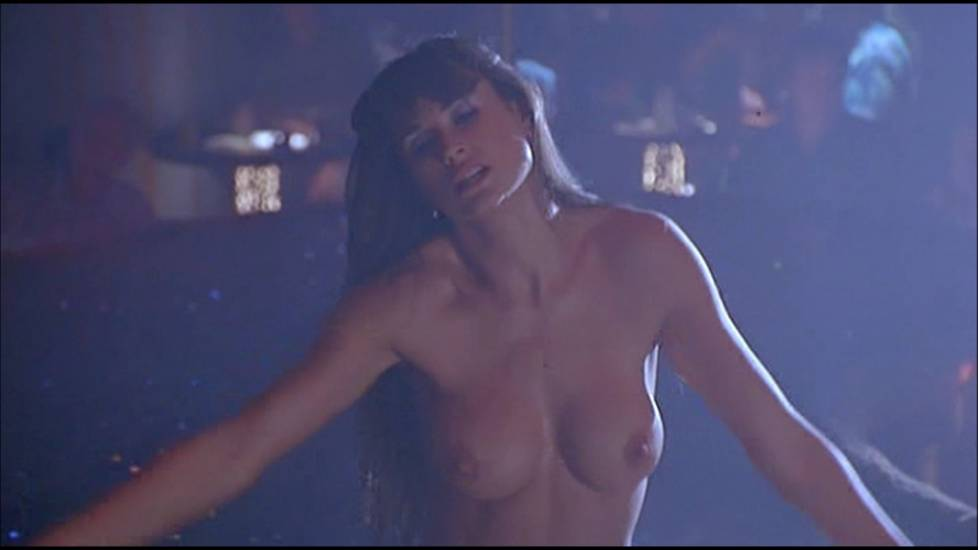 Demi Moore Nude Boobs In Striptease Movie