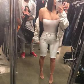 01-Kim-Kardashian-nipples