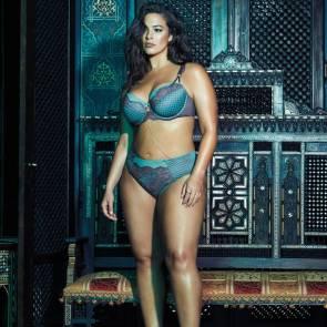 Ashley-Graham-Sexy-bikini-01