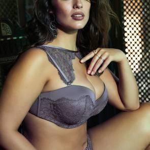 Ashley-Graham-Sexy-bikini-05