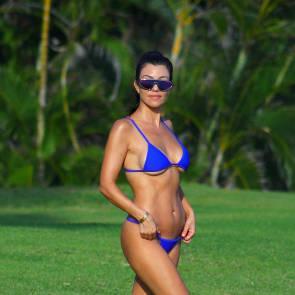 Kourtney Kardashian Nude – 2021 ULTIMATE Collection 123