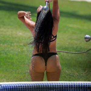 Kourtney Kardashian Hot Bikini On Vacation