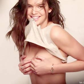 kendall-jenner-topless-06
