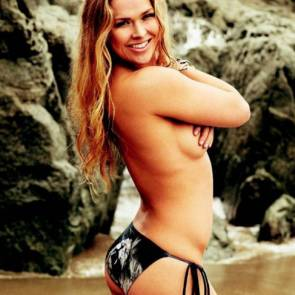 ronda-rousey-topless