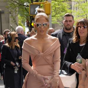 Jennifer Lopez Nude Pics and Naked Sex Videos 52