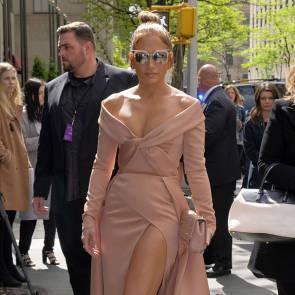 Jennifer Lopez Nude Pics and Naked Sex Videos 53