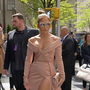 Jennifer Lopez Nude Pics and Naked Sex Videos 54