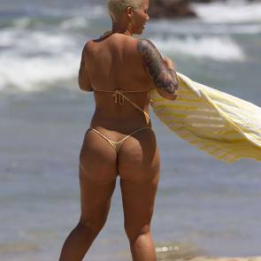 10-Amber-Rose-topless