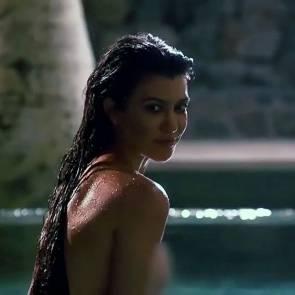 Kourtney Kardashian Nude – 2021 ULTIMATE Collection 53