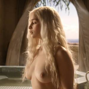 Emilia Clarke Nude Scene In Game of Thrones Series
