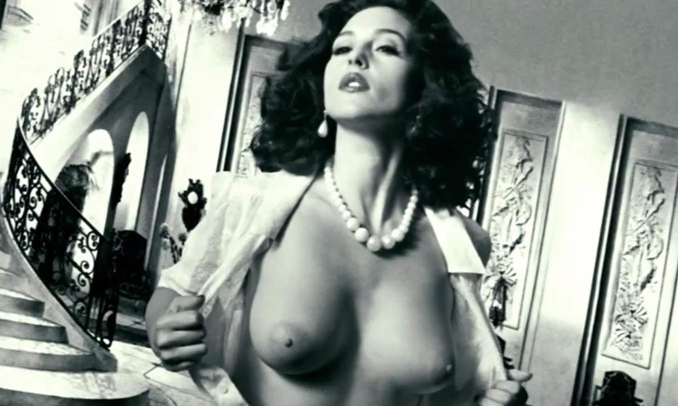 Monica Bellucci Nude Naked