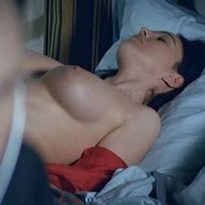 Monica Bellucci Nude Boobs In Combien Tu Maimes Movie