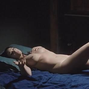 Monica Bellucc Nude Scene In Un Ete Brulant Movie