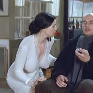 Monica Bellucci Sexy Boobs And Butt In Combien Tu Maimes Movie