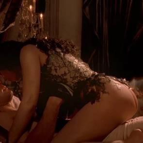 Monica Bellucci Nude Sex Scene In Brotherhood Of The Wolf Movie