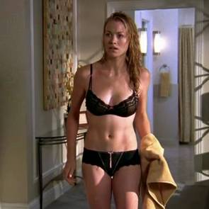 Yvonne Strahovski Sex Scene Under The Shower In Chuck Series