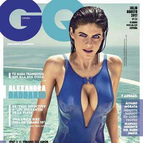 01-Alexandra-Daddario-bikini