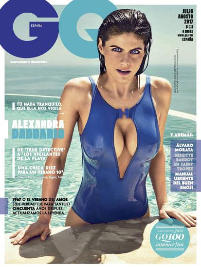 Alexandra Daddario big tits in bikini