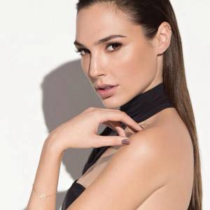 Gal Gadot Hot And Sexy Photos