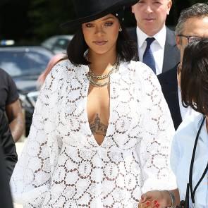 01-Rihanna-Sexy