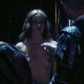 01-emily-blunt-nude