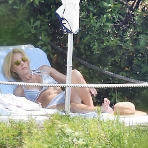 03-Gillian-Anderson-bikini