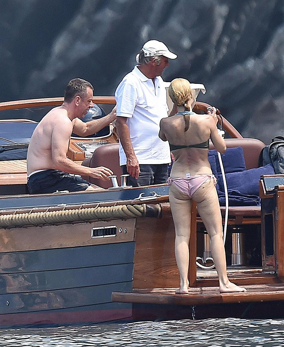 Jennifer aniston big ass