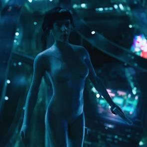 05-Scarlett-Johansson-Naked