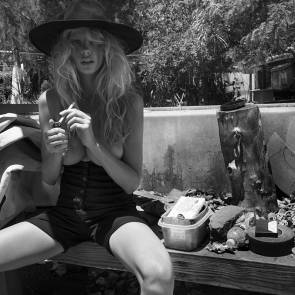 06-Charlotte-McKinney-blackandwhite