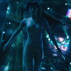 06-Scarlett-Johansson-Naked