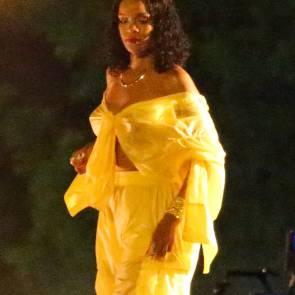 08-Rihanna-See-Through